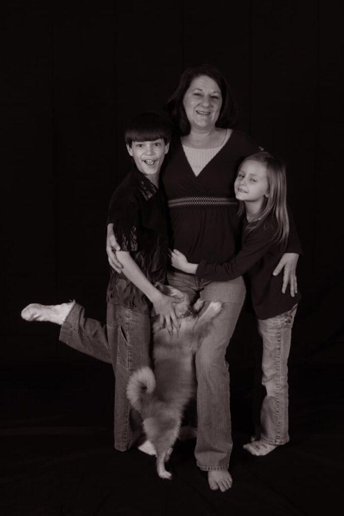 mom kids and dog